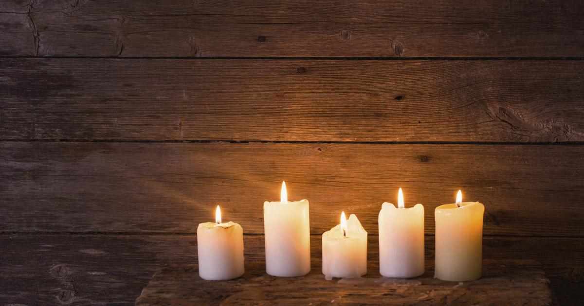 iStock_Candles_ByMaya